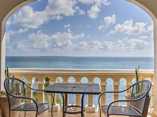 Oceanfront Cancun Condo w/Loft in All Ritmo Resort