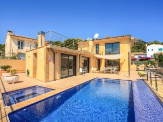 4 bedroom Villa in Cala San Vicente, Balearic Islands, Spain : ref 5218008