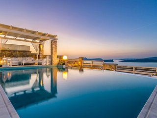 5 bedroom Villa in Akrotíri, South Aegean, Greece : ref 5218088