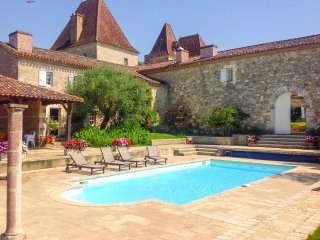3 bedroom Villa in Espiens, Nouvelle-Aquitaine, France : ref 5217971