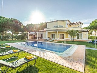 4 bedroom Villa in Vilamoura, Faro, Portugal : ref 5217972