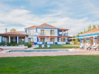 5 bedroom Villa in Olhos de Água, Faro, Portugal : ref 5218027
