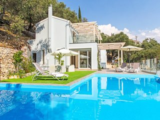 3 bedroom Villa in Kavalleraina, Ionian Islands, Greece : ref 5218040
