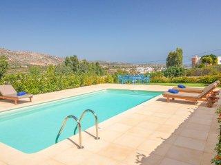 4 bedroom Villa in Loutráki, Crete, Greece : ref 5218013