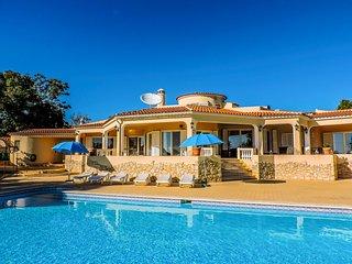 4 bedroom Villa in Estombar, Faro, Portugal : ref 5217906
