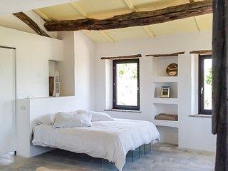 Macereto Villa Sleeps 6 with Pool - 5218039