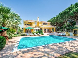 4 bedroom Villa in Quinta do Lago, Faro, Portugal : ref 5217949