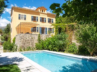 6 bedroom Villa in Saint-Jacques-en-Valgodemard, Provence-Alpes-Côte d'Azur, Fra