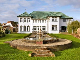 7 bedroom Chateau in Sandown, England, United Kingdom : ref 5217793