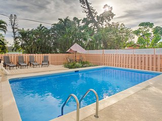 NEW! 3BR Home in Naples w/ Pool-1/2 Mile to Beach!