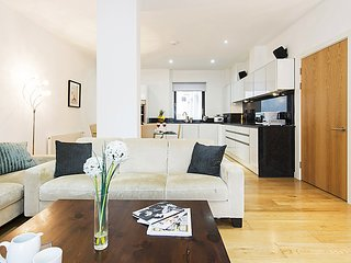 3 bedroom Apartment in City of London, England, United Kingdom : ref 5082633