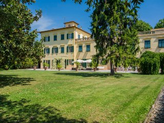 15 bedroom Villa in Gello, Tuscany, Italy : ref 5055115