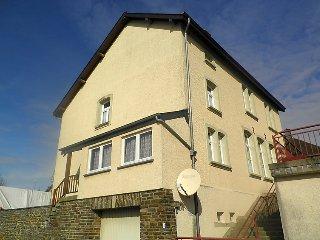 2 bedroom Villa in Munshausen, District de Diekirch, Luxembourg : ref 5056811