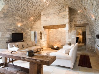 Mailly-le-Chateau Chateau Sleeps 33 with Pool and Air Con - 5049856