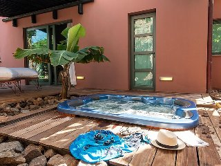 3 bedroom Villa with Pool, Air Con, WiFi and Walk to Shops - 5697713