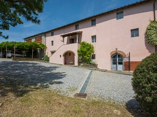 6 bedroom Villa in Lucca, Tuscany, Italy : ref 5055131