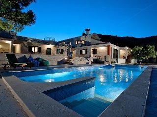 4 bedroom Villa in Trogir, Splitsko-Dalmatinska Zupanija, Croatia : ref 5081998