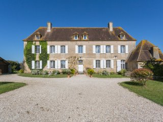 9 bedroom Chateau in Cussy-en-Morvan, Bourgogne-Franche-Comte, France : ref 5049
