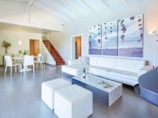 Agios Stefanos Sinion Villa Sleeps 8 with Pool and Air Con - 5049874