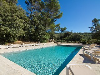 6 bedroom Villa in Grambois, Provence-Alpes-Côte d'Azur, France : ref 5051398