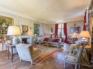 4 bedroom Villa with WiFi - 5049845