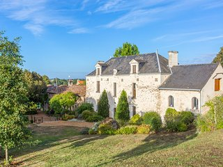7 bedroom Villa in Concourson-sur-Layon, Pays de la Loire, France : ref 5049838