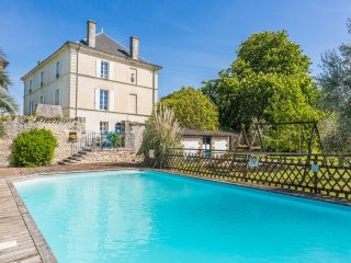 8 bedroom Chateau in Saint-Just-Luzac, Nouvelle-Aquitaine, France : ref 5049773