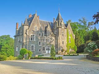 16 bedroom Chateau in Poubreuil, Brittany, France : ref 5049765