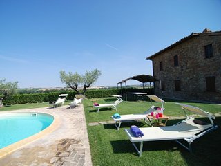6 bedroom Villa in Paciano, Umbria, Italy : ref 5056034