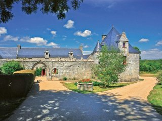 11 bedroom Chateau in Trevern, Brittany, France : ref 5049759