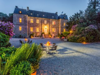 9 bedroom Chateau in Tamerville, Normandy, France : ref 5049743