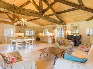 Vieux-Mareuil Villa Sleeps 12 with Pool - 5049713