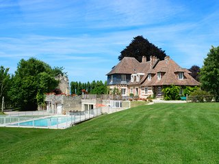 9 bedroom Chateau in Gonneville-sur-Honfleur, Normandy, France : ref 5049732