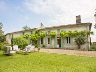 6 bedroom Villa in Lussac, Nouvelle-Aquitaine, France - 5049710