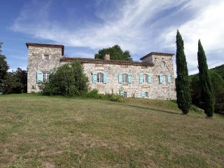 10 bedroom Chateau in Saint-Sylvestre-sur-Lot, Nouvelle-Aquitaine, France : ref