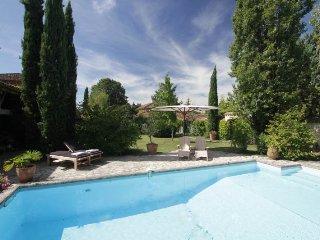 Penne-dAgenais Chateau Sleeps 20 with Pool - 5049699