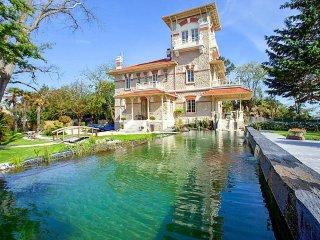 8 bedroom Villa in Taussat-les-Bains, Nouvelle-Aquitaine, France : ref 5049693