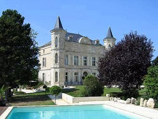 8 bedroom Chateau in Laugnac, Nouvelle-Aquitaine, France : ref 5049691
