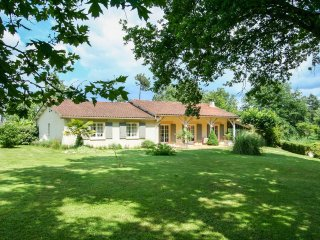 4 bedroom Villa in Maurens, Nouvelle-Aquitaine, France : ref 5049676