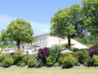 5 bedroom Chateau in Saint-Germain-de-la-Riviere, Nouvelle-Aquitaine, France : r