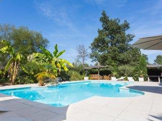 Aliac Villa Sleeps 8 with Pool and Air Con - 5049676