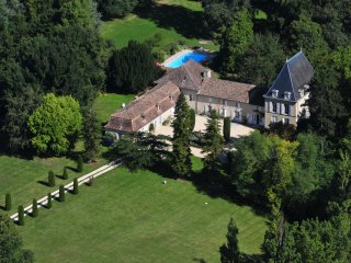 6 bedroom Chateau in Cahuzac, Nouvelle-Aquitaine, France : ref 5049684