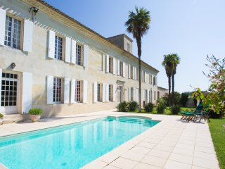 6 bedroom Chateau in Blesignac, Nouvelle-Aquitaine, France : ref 5049695