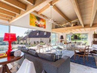 Le Puy Villa Sleeps 12 with Pool - 5049659