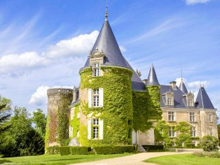 17 bedroom Chateau in Brantome, Nouvelle-Aquitaine, France : ref 5049630