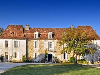 7 bedroom Chateau in Martigue, Nouvelle-Aquitaine, France : ref 5049636
