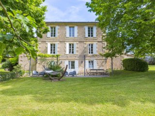 8 bedroom Chateau in Saint-Émilion, Nouvelle-Aquitaine, France : ref 5049700