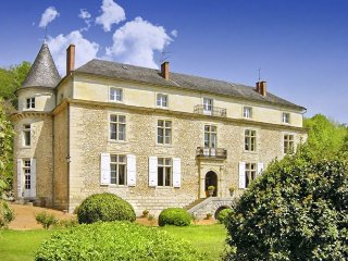 6 bedroom Chateau in Le Moulinaud, Nouvelle-Aquitaine, France : ref 5049617
