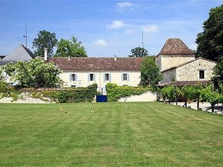 6 bedroom Chateau in Laudogne, Nouvelle-Aquitaine, France : ref 5049633