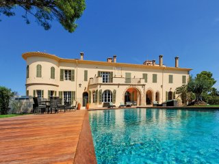 15 bedroom Villa in Fréjus, Provence-Alpes-Côte d'Azur, France : ref 5049507